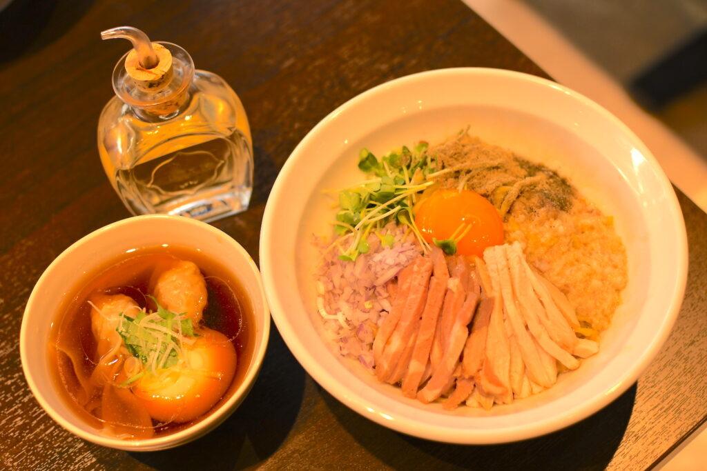 「特製煮干し油そば ワンタンスープ付き」1,150円(税込)